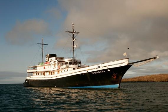sailing galapagos