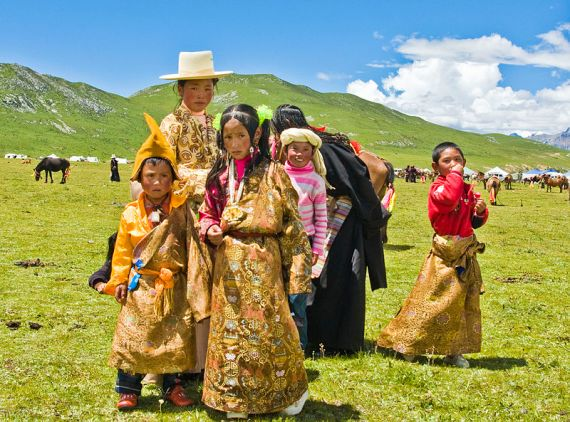 The People of Tibet at a Horse Festival (c) Antoine Taveneaux