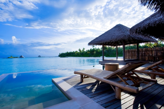 maldives overwater bungalow